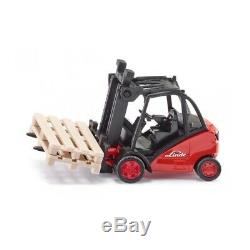 Forklift Truck 150 Scale Die-cast Model by Siku 1722 Boxed / New