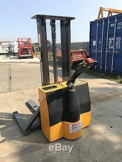 Forklift Truck Robur Stacker, not Toyota Nissan Linde Mitsubishi