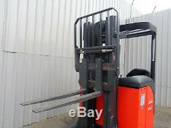 LINDE R16s USED ELECTRIC REACH FORKLIFT TRUCK. (#2456)