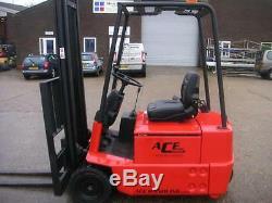 Linde E15 1500kg Electric 3-Wheeler Forklift Forklifttruck Fork Lift Truck
