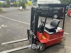 Linde E15 Compact Electric Fork Lift Truck FLT 2750 Height
