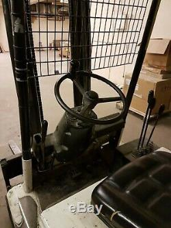Linde E15 electric counterbance fork lift truck warehouse yard building site