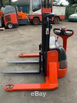 Linde L10 AS 1000kg Electric Power Pallet Stacker Fork Lift Truck