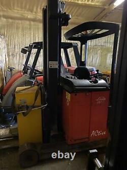 Linde R14 Narrow Isle Reach Truck Forklift