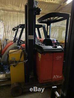 Linde R14 Narrow Isle Reach Truck Forklift