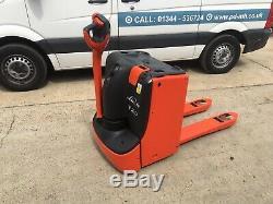 Linde T20 Electric Pallet Truck