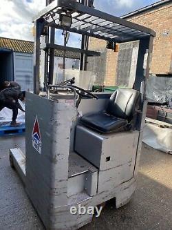 Nissan BT Reach Truck/Forklift- Electric -Narrow Aisle -Hyster, Linde