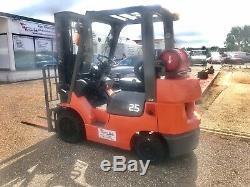 Toyota 7FGCU25 Gas Powered Forklift truck Not Nissan Mitsubishi Linde
