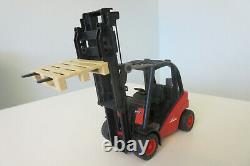 Bruder Linde H30d Fork Llift Truck Scale 116 Avec 2 Palettes