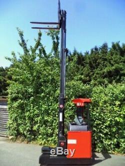 Bt Chariot À Mât Rétractable / Électrique - Comme Linde, Hyster, Komatsu