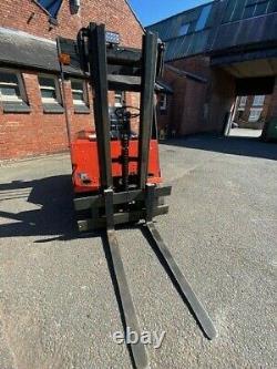 Camion D'ascenseur À Fourche Diesel De 1,5 Tonne De Linde. Entièrement Entretenu 4 Bonnes Pneumatiques Forklift