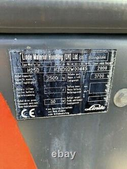 Camion Élévateur À Fourche Linde H25d 2008. Relèvement De 2,5 Tonnes. Diesel