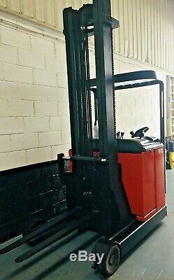 Chariot À Mât Rétractable Électrique À Trois Mâts Linde R16 1600kg