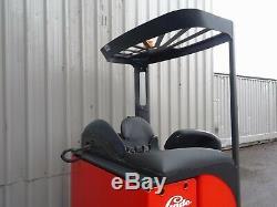 Chariot Élévateur À Portée Électrique Linde R20. (# 2305)