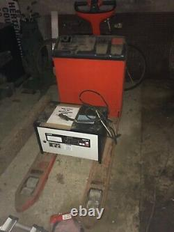 Chariot Élévateur Électrique De Palette De Lansing Linde T18