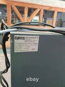 Curtis 48v 3 Phase 140 Amp Chariot Élévateur À Fourche Chargeur Hysteryale Linde