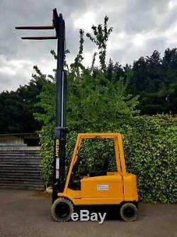 Hyster 2.5 Tonnes Chariot Élévateur Électrique-hauteur De Levage 5,5 Mètres-linde Comme Toyota