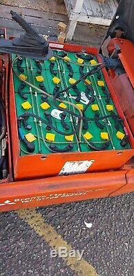 Linde 1600 KG Chariot Élévateur Électrique