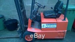 Linde E12 Chariot Élévateur À Fourche 1,2 Tonne Chariot Élévateur Électrique Seulement 2918 Heures
