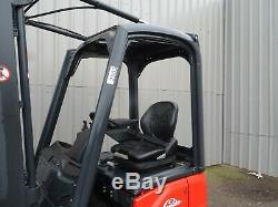 Linde E12 Chariot Élévateur Électrique Usagé. (# 2504)