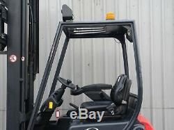 Linde E16 3 Modèle Sur Roues Usagés Chariot Élévateur Électrique. (# 2240)