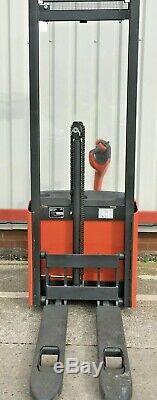 Linde L10 Électrique Gerbeur Chariot Élévateur Pedestrian Powered Chariot Élévateur