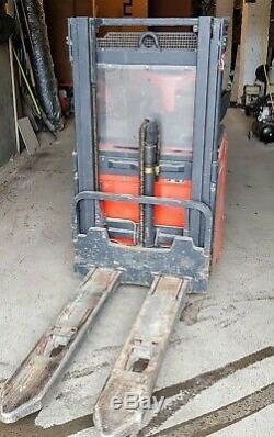 Linde L14 Électrique Gerbeur Chariot Élévateur Pliant Plate-forme Et Gardes
