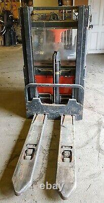 Linde L14 Palette Électrique Stacker Chariot Élévateur Camion Plate-forme Pliante Et Gardes