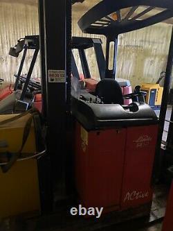 Linde R14 Narrow Isle Reach Truck Chariot Élévateur