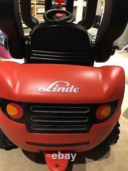 Linde Ride Sur Chariot Élévateur