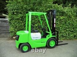 Mitsubishi 2,5 Tonnes Diesel Contrebalance Chariot Élévateur / Hyster Linde Komatsu
